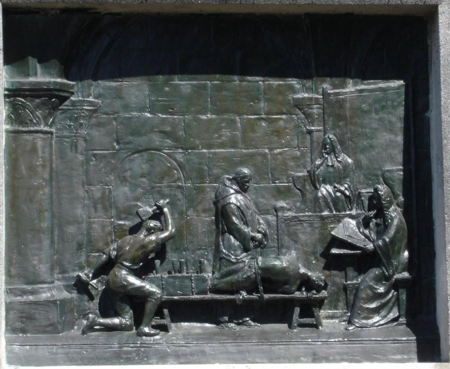 plaque bronze monument La Barre.JPG